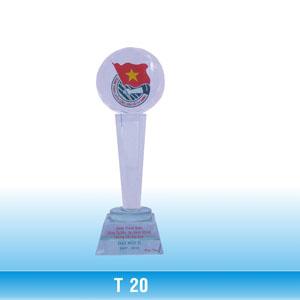 Cúp thủy tinh - T20