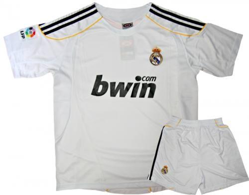 Bộ quần áo bóng đá Real trắng L002